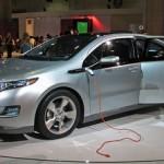 General Motors lancia l'auto elettrica da 98 chilometri con un litro