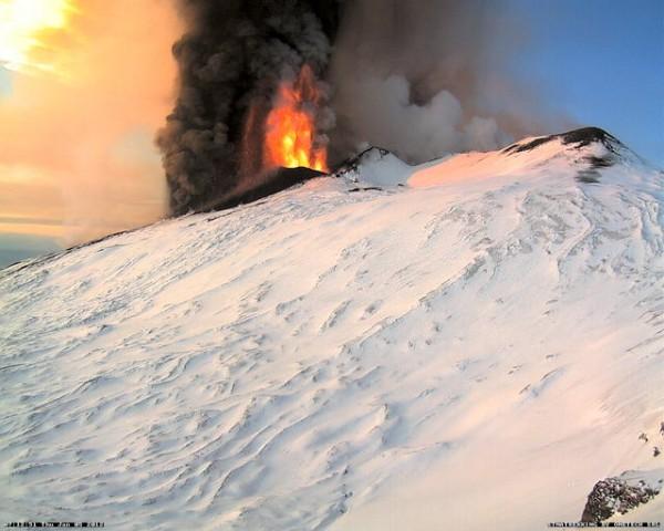 Eruzione Etna 2012