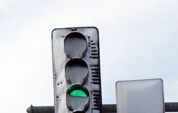 Un semaforo fatto di Led. L'importante è tenerlo sgombro dalla neve